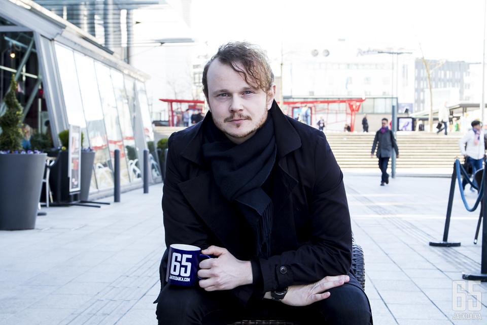 Antti Pärnänen luotsaa Jatkoajan toimitusta.