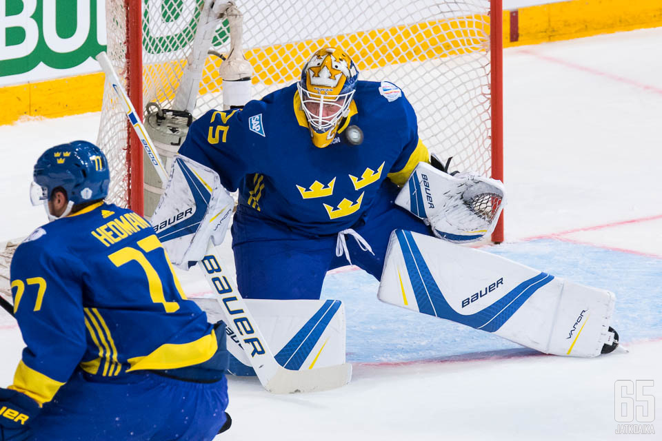 Jacob Markström pelasi Ruotsin maalilla jo Suomessa pelatussa esiottelussa, joten jonkin verran pelituntumaa hänellä oli alla ennen pikakomennusta maalille.