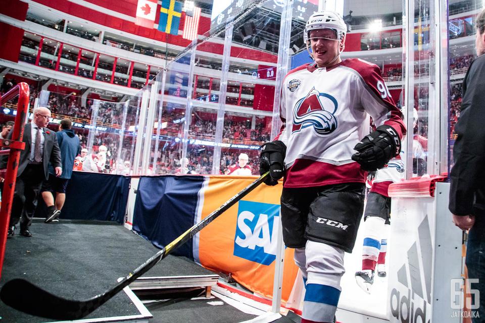 Mikko Rantasen tulokassopimus päättyy tähän kauteen. Nousiaisista kotoisin oleva laitahyökkääjä johtaa tällä hetkellä NHL:n pistepörssiä.
