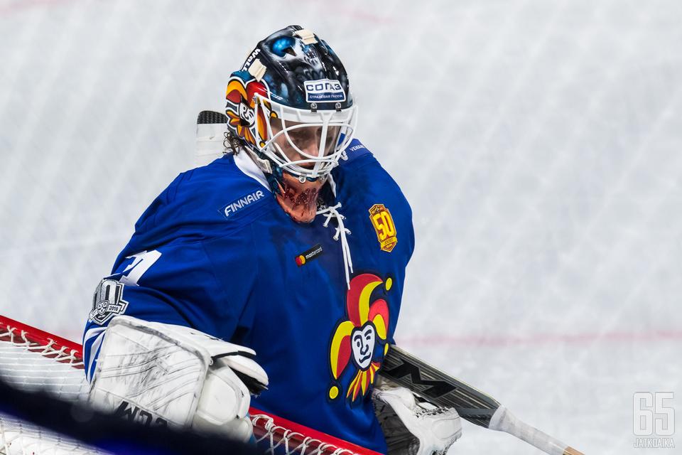 Karri Rämö palaa Jokereiden maalille. Viimeksi hän pelasi lauantaina ulkoilmaottelussa SKA:ta vastaan.