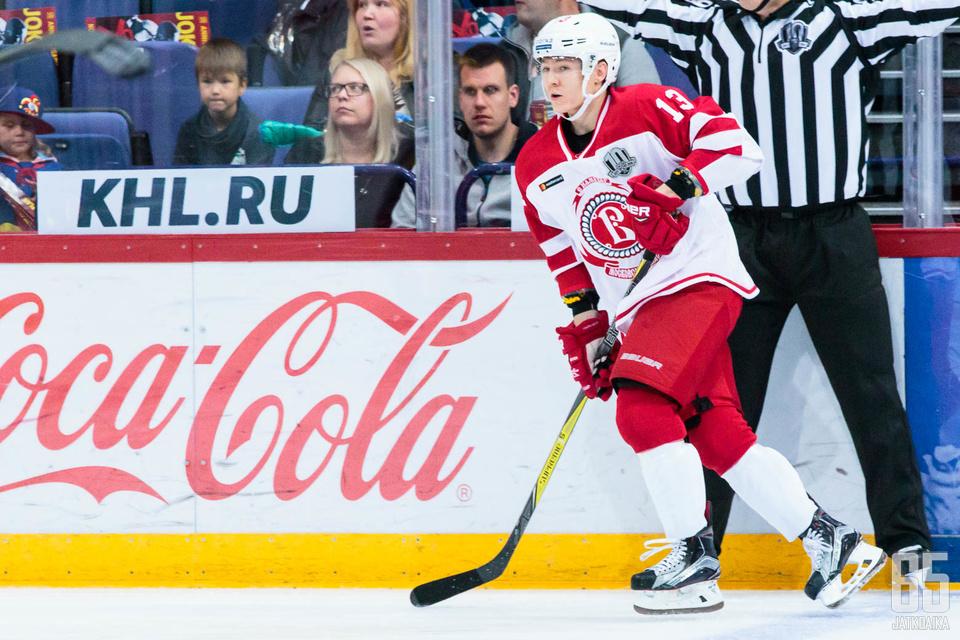 Jesse Mankisesta tuli toinen kauden aikana KHL:stä potkut saanut suomalainen.