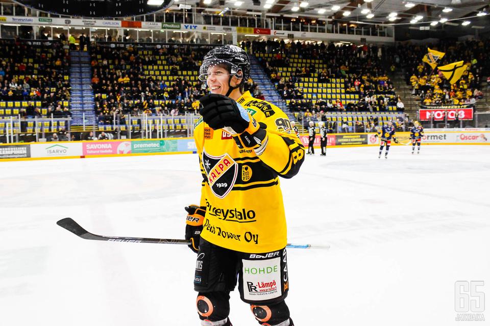 Gröndahl tuulettelee jatkossa Sportin väreissä.