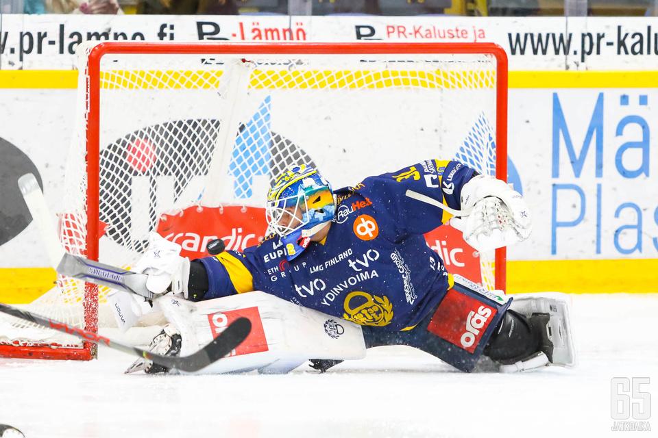 Oskari Setänen venytti helpon nollapelin paikalliskamppailussa.