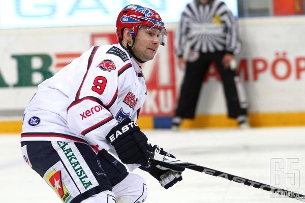 Kuhta pelasi HIFK:ssa 16 kautta.