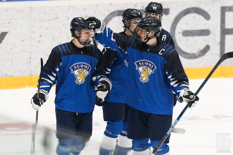 Suomi lähtee tavoittelemaan välieräpaikkaa torstaina klo 16.30 Suomen aikaa.