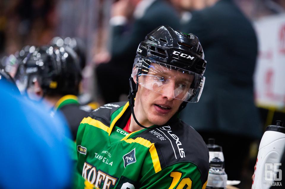 Eemeli Suomi kertoi, että päävalmentajavaihdoksen yhteydessä on käyty paljon joukkueen sisäistä keskustelua.
