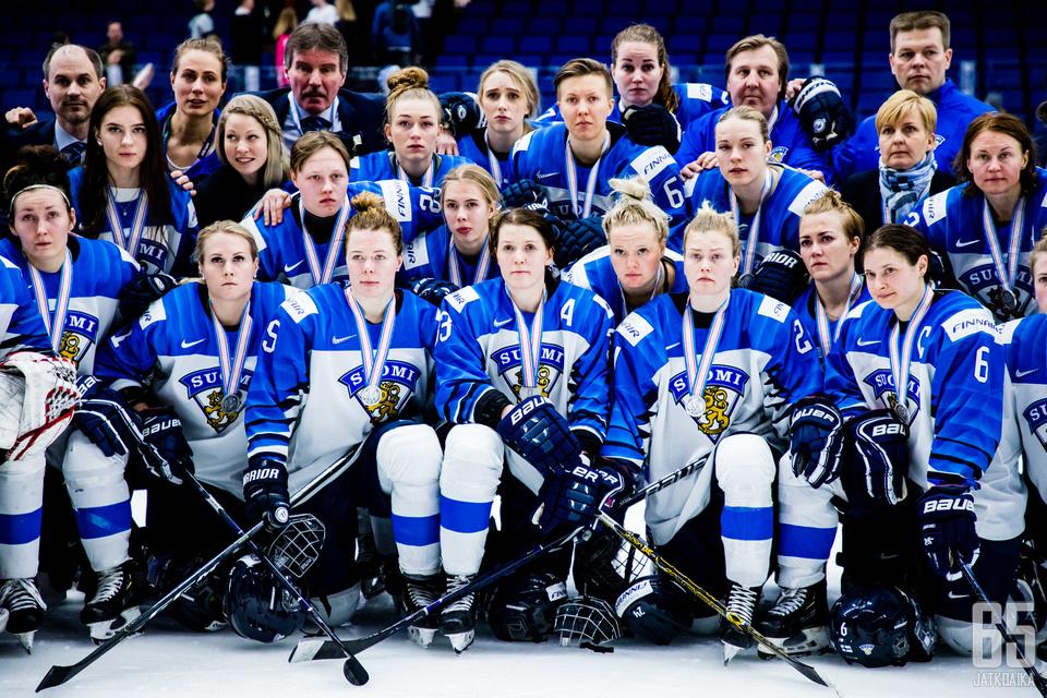 Suomalaisia ei hymyilyttänyt MM-finaalin jälkeen.