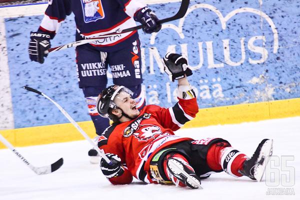 Blomqvist osui muun muassa HCK-murskavoitossa. Tehot Jokipo-paidassa ovat olleet hurjia.